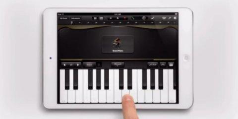 iPad mini ピアノ CM